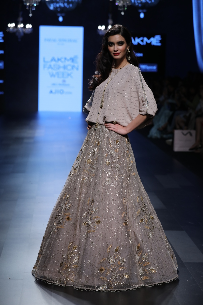 b82410b8 Our Favourite 27 Outfits For Brides and Bridesmaids From Lakme ...