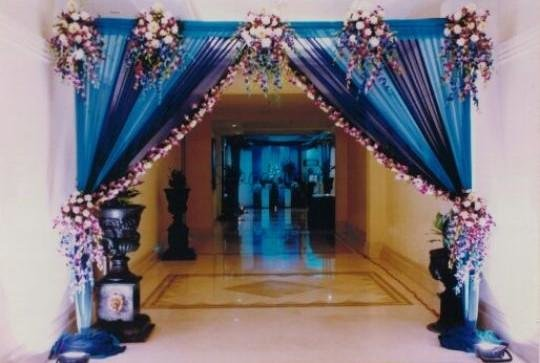 Exotic floral decor 1562 1 weddingplz1479820476633?1520733320