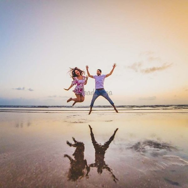 Pre Wedding Outdoor Ideas: 21 Unique Pre-Wedding Shoot Ideas For Every Kind Of Couple