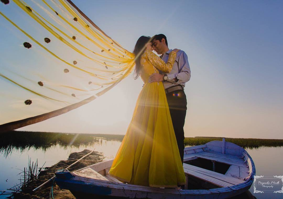 Pre Wedding Gifts For Bride: 21 Unique Pre-Wedding Shoot Ideas For Every Kind Of Couple
