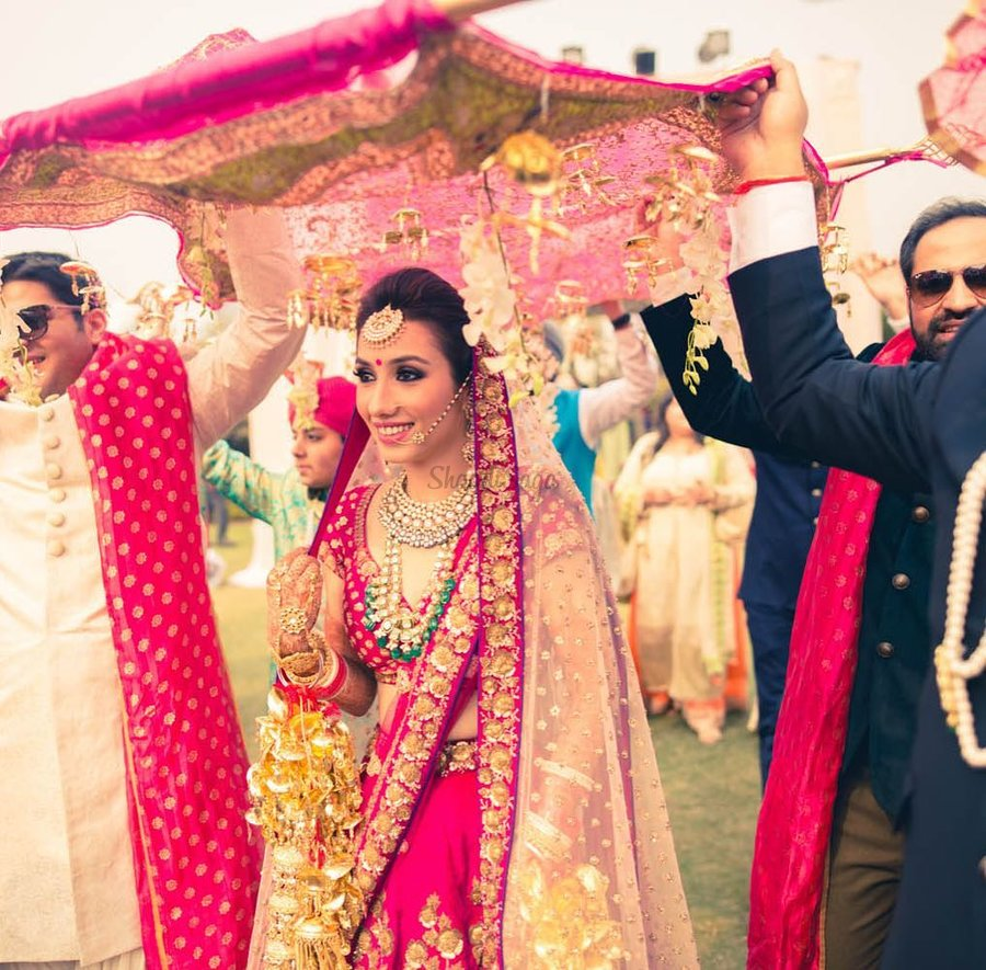 Wedding Grand Entrance Song: 11 English Bridal Entry Songs For The Sassy New-Age Bride