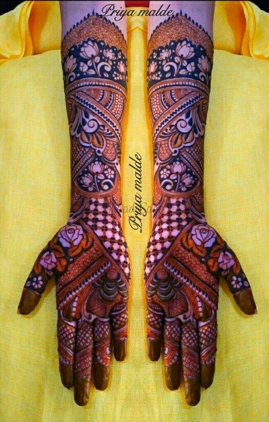 vibha gala mehndi design