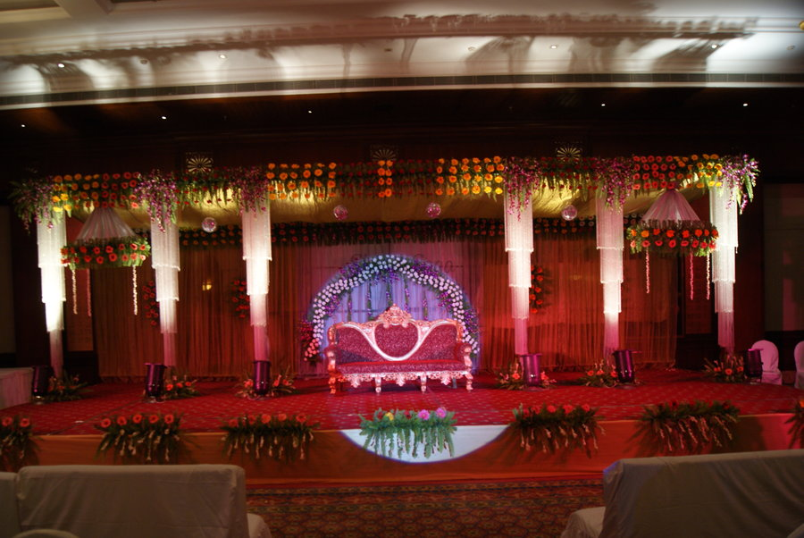 Gautam Tent House Wedding Decorators In Varanasi