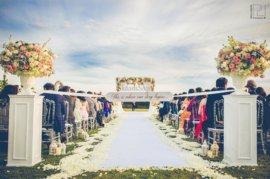 Best destination wedding locations in india best venues our instagram feeds these days are buzzing with snippets of couples flying off to scenic places for their wedding soiree away from the hustle and bustle junglespirit Image collections