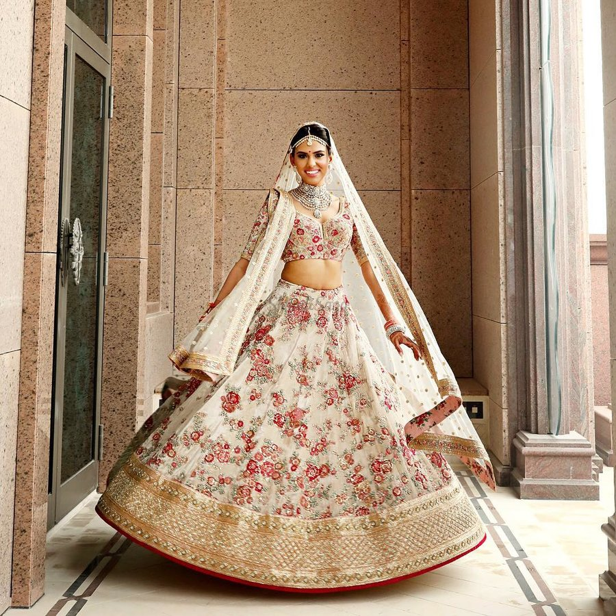 Wearing White To A Wedding.We Spotted Real Brides Wearing White Lehengas And They Re As