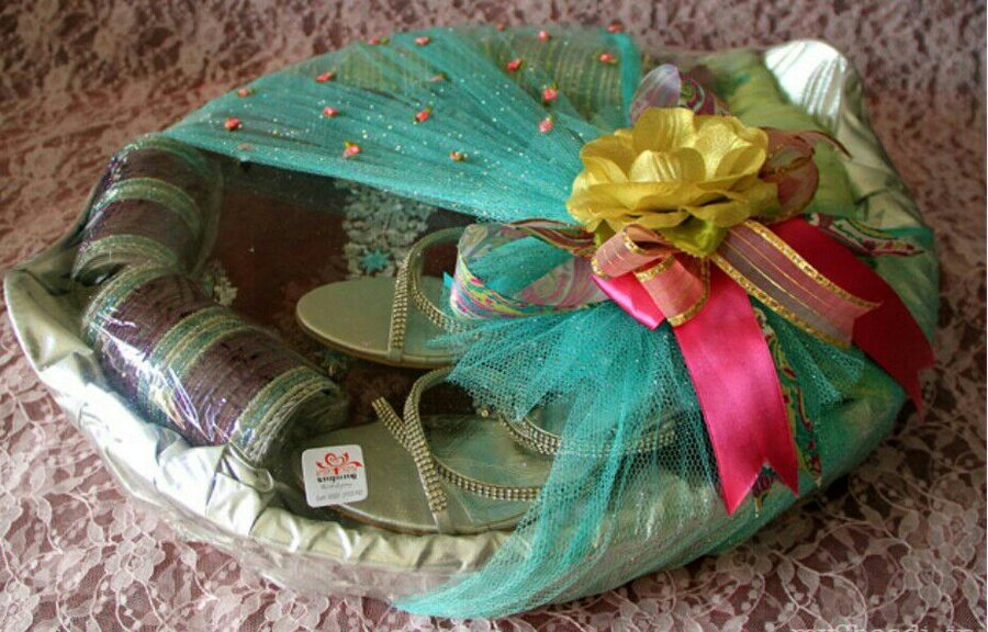 Gifts For Girls On Wedding: Trousseau Packing Diary: All A Girl Needs Before The Big