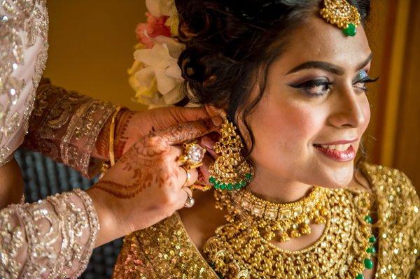 Makeup For Mehndi Function : Bridal makeup looks portfolio makeovers by sukanya