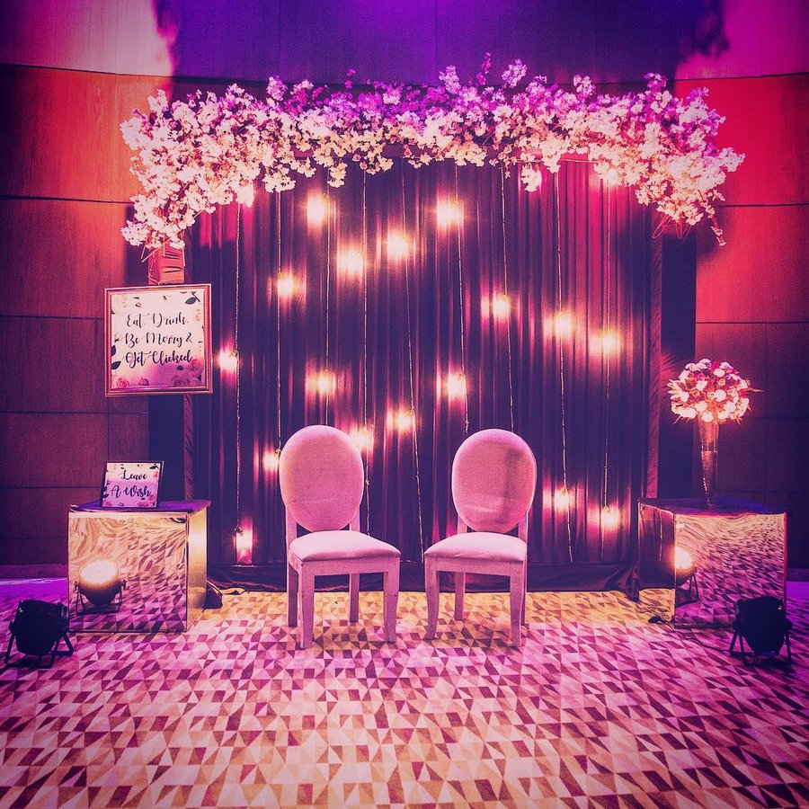 Decoration Design: 'No Stage' Decor Ideas For An Interactive Wedding Soiree