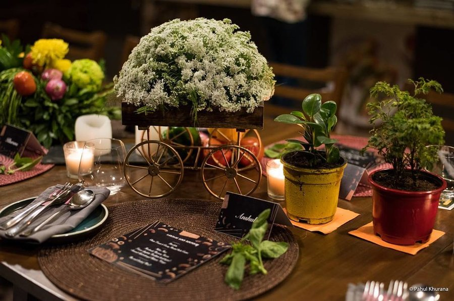 25 Mesmerizing Table Centerpiece Ideas To Glam Up Your Wedding