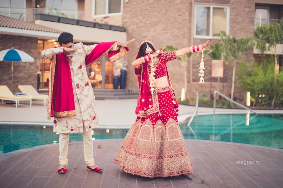 Playful Different Couple Poses Are A Must Have For The Wedding Day Shaadisaga