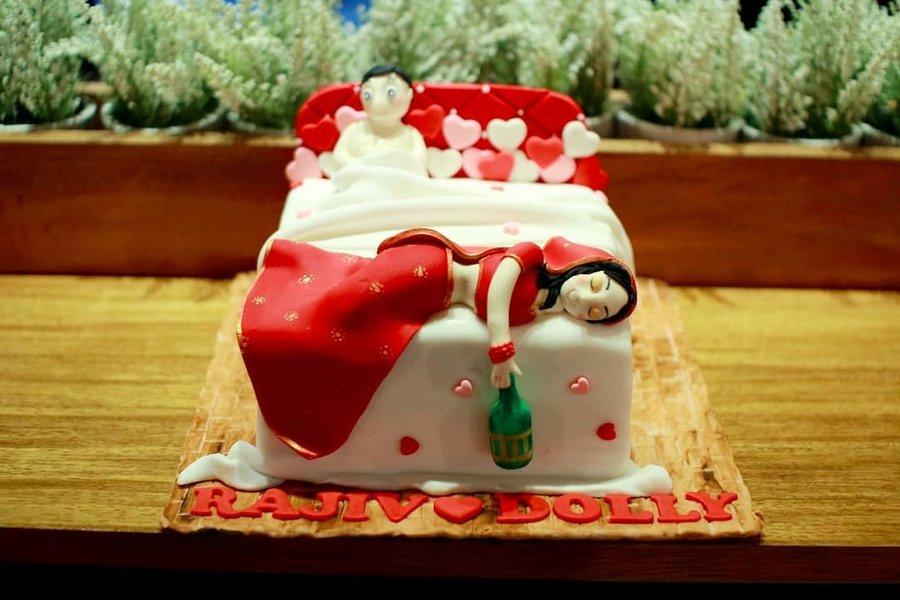 15 Funny Wedding Cake Ideas That Ll Leave Everyone Laughing Hard Shaadisaga