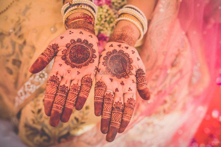 Terrific 10 Easy Smart Ways To Get Rid Of Fading Mehendi Shaadisaga Home Remodeling Inspirations Cosmcuboardxyz