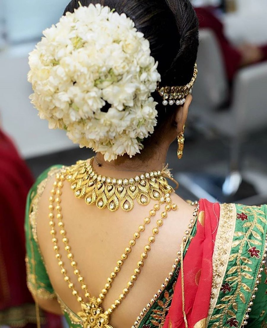 9a0edd441e7ec 15 Easy Ways to include Gajra in your Hairstyle this Wedding Season ...