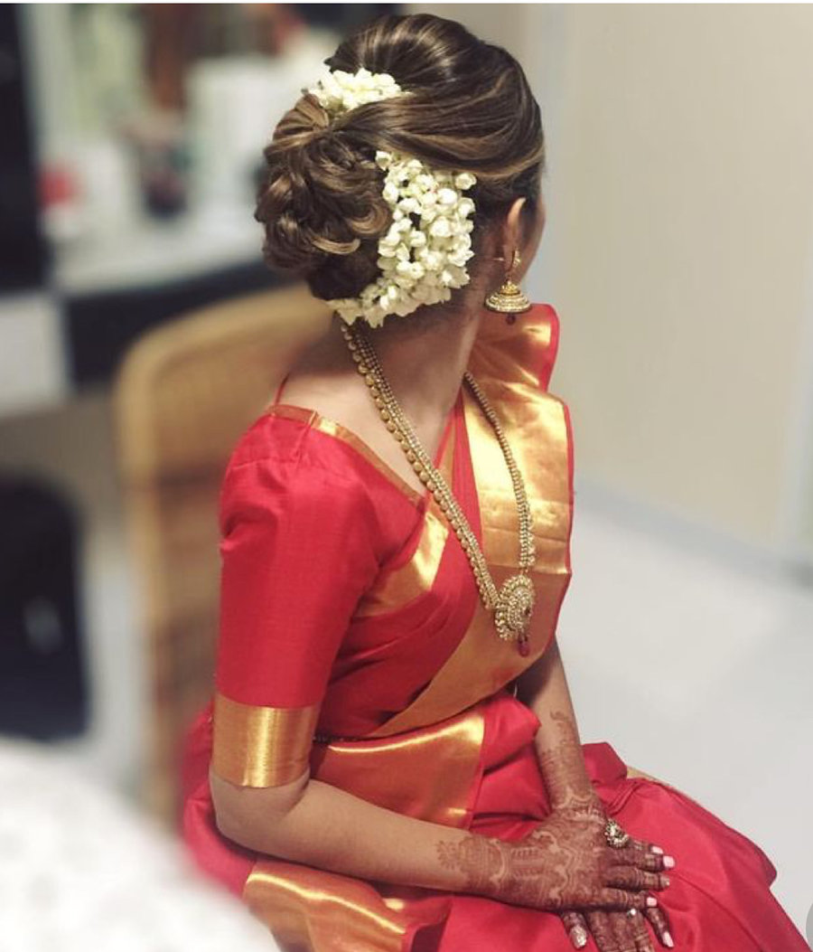 New Hairstyle For Wedding Ceremony: 15 Easy Ways To Include Gajra In Your Hairstyle This