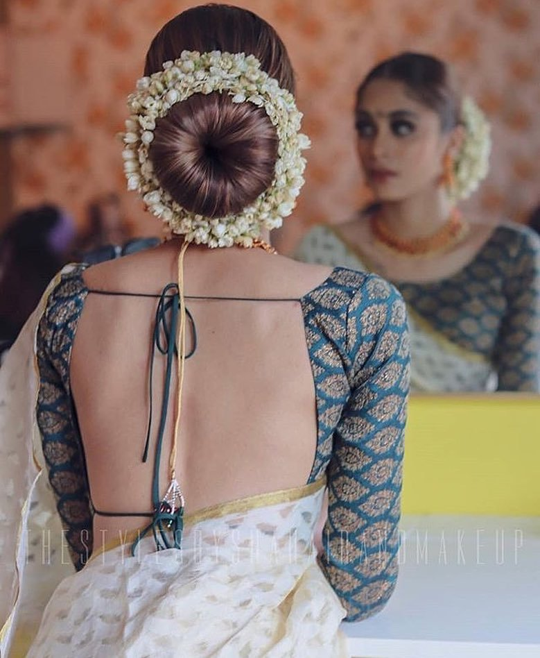 Simple Juda Hairstyle For Wedding: 15 Easy Ways To Include Gajra In Your Hairstyle This
