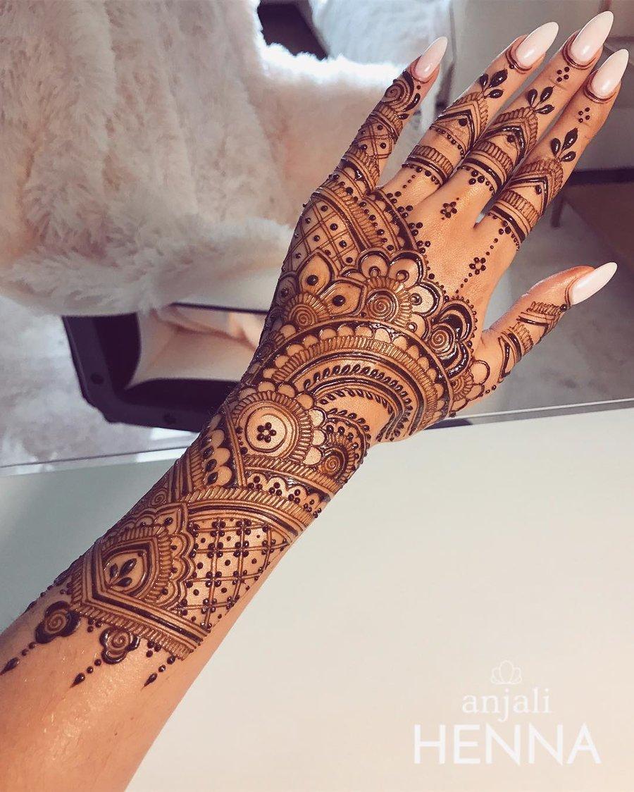 30 Flaunt Worthy Back Hand Mehendi Designs Indian Brides Will Love Shaadisaga