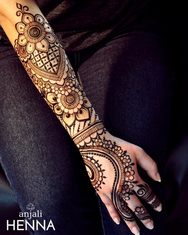 30 Flaunt Worthy Back Hand Mehendi Designs Indian Brides Will Love Shaadisaga