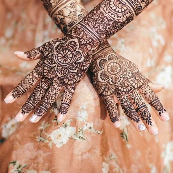 bridal mehndi design for backside of hand