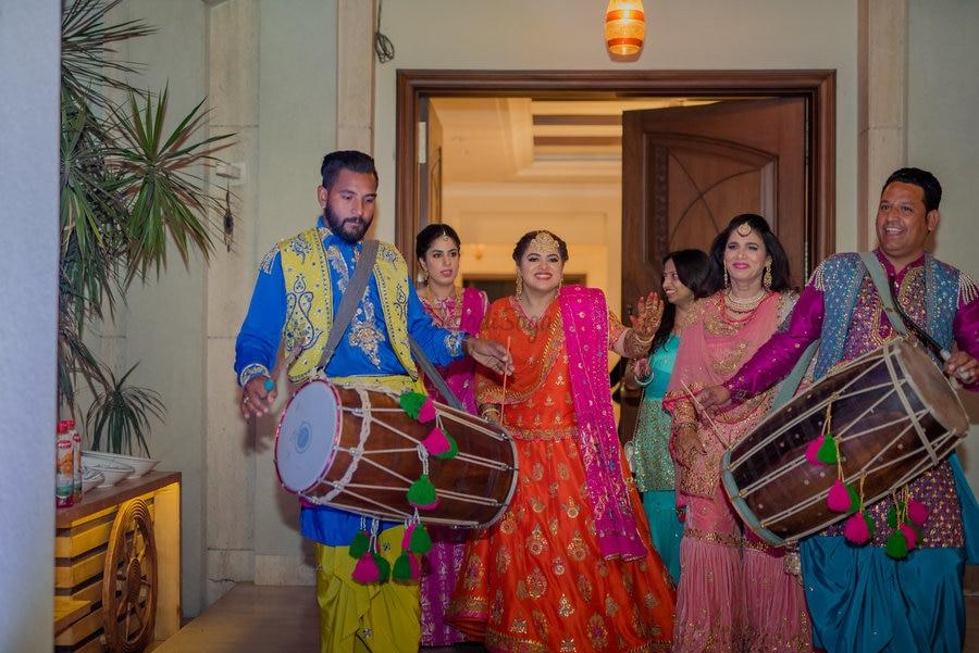 A Sikh-Marathi Wedding with a high-on-spirit Bride & Fresh