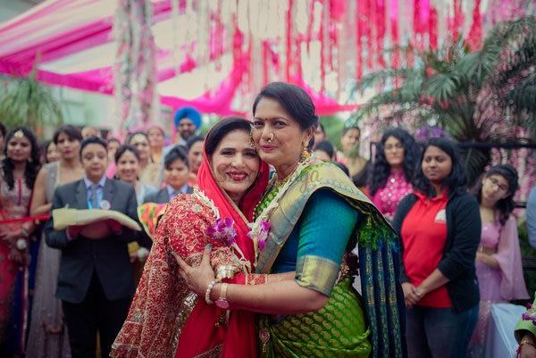 A Sikh-Marathi Wedding with a high-on-spirit Bride & Fresh Decor