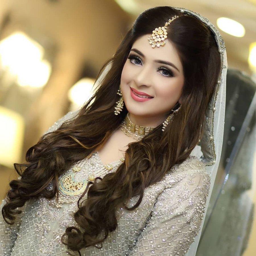45+ trending maang tikka designs worn by real brides (all