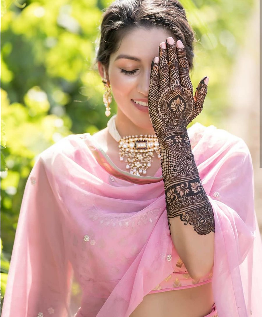 35+ Trending Mehndi Photos you MUST bookmark to your Gallery