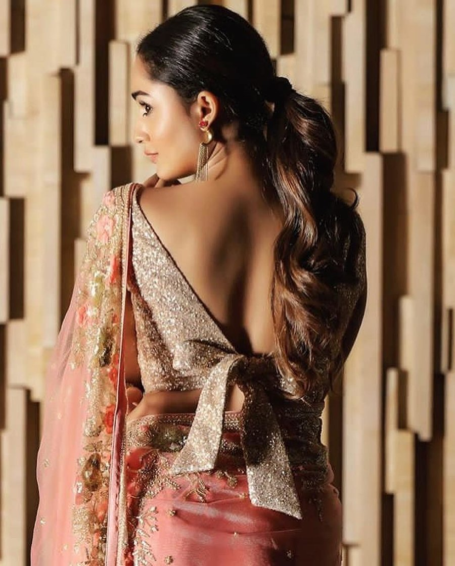 Top 201 Latest Trendy Blouse Designs Shaadisaga
