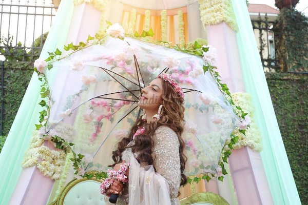 10+ Umbrella Phoolon Ki Chaadar Ideas to Up your Bridal Entry Game
