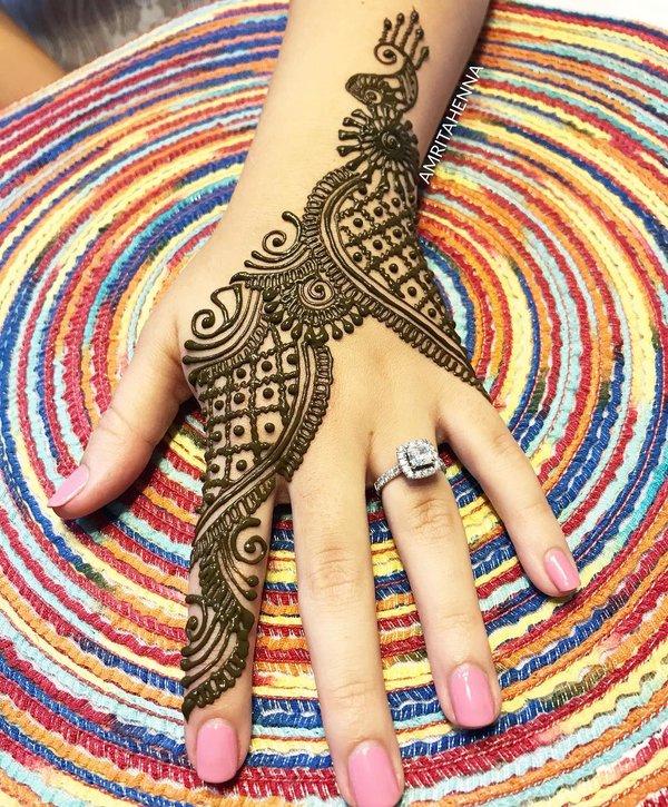back hand simple arabic mehndi design