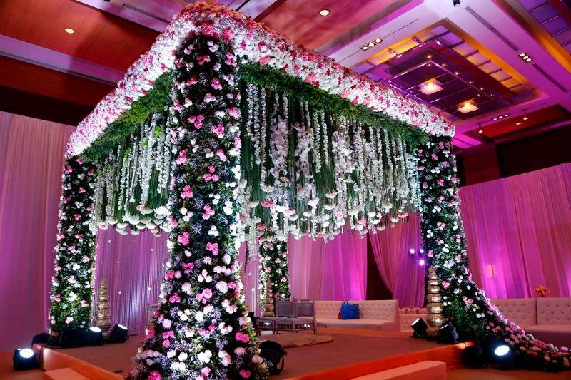 Most Stunning Indoor Mandap Decoration Ideas Both Minimal