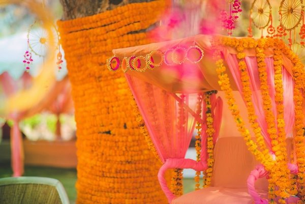 Simple Quirky Ideas To Use Bangles For Your Wedding Decorations Shaadisaga