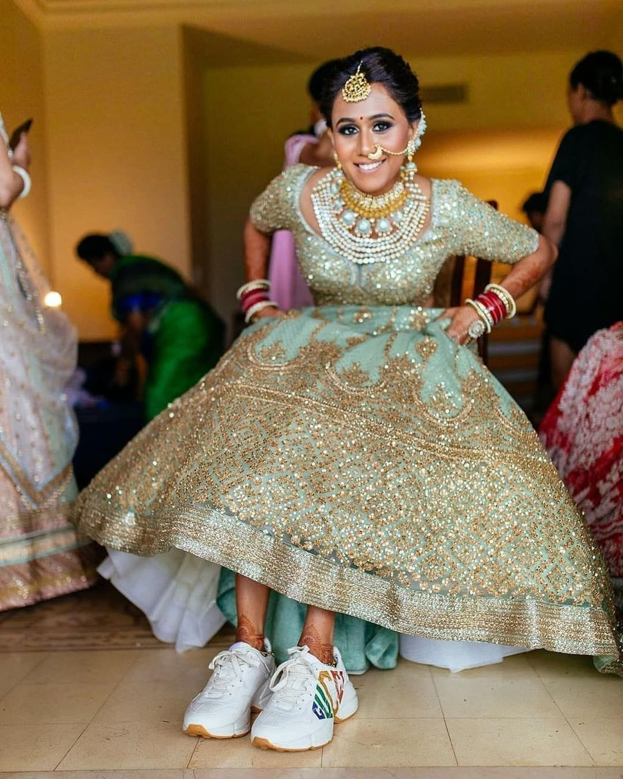TIPS FOR BRIDES AND GROOMS TO PREPARE FOR YOUR WEDDING DAY