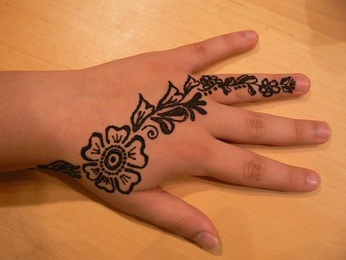 mehandi design simple and easy for kids