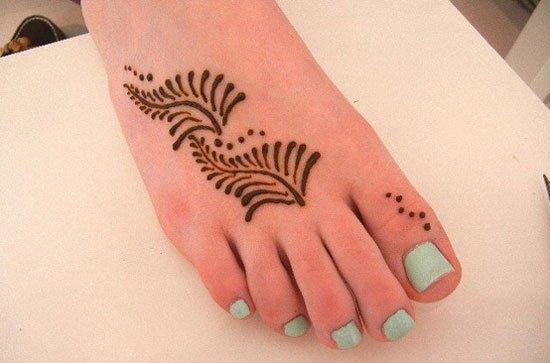 Mehndi Designs For Kids On Feet