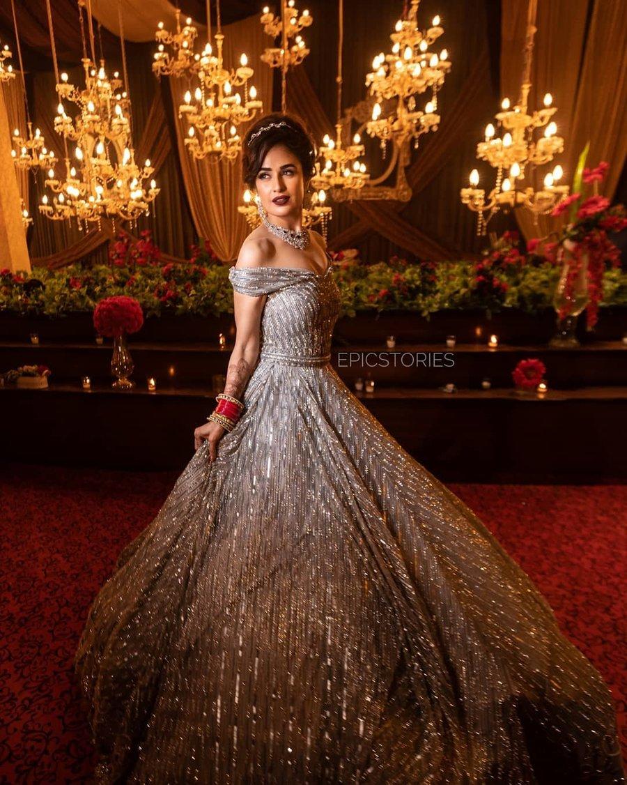 indo western reception dress for indian bride,reception dress,reception dress for bride,gown party wear reception dresses,