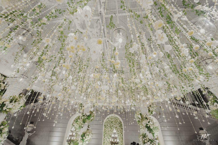 34 Stunning Magical Ceiling Decor Ideas To Ace Your Wedding