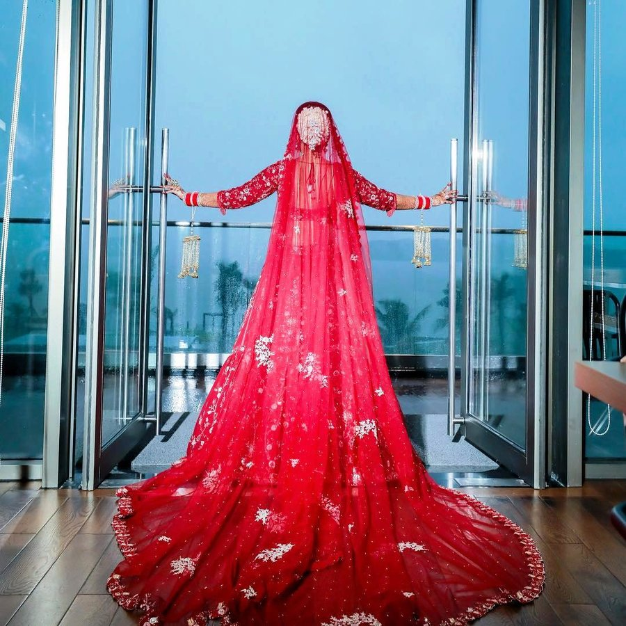 Real Brides In Veils Train Outfits Are Setting Some Major Trends Shaadisaga