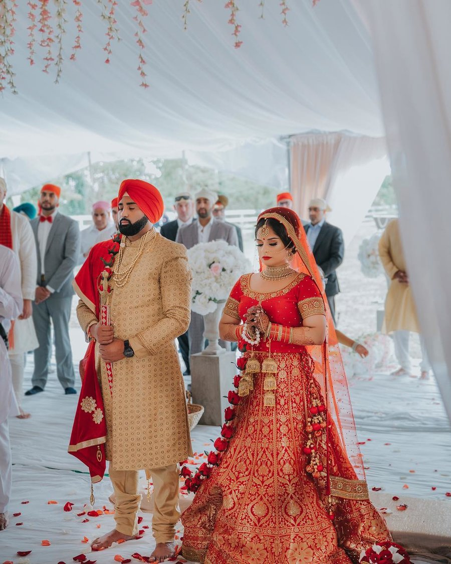 8 Unique Rose Palla Designs We Spotted At Sikh Weddings Shaadisaga