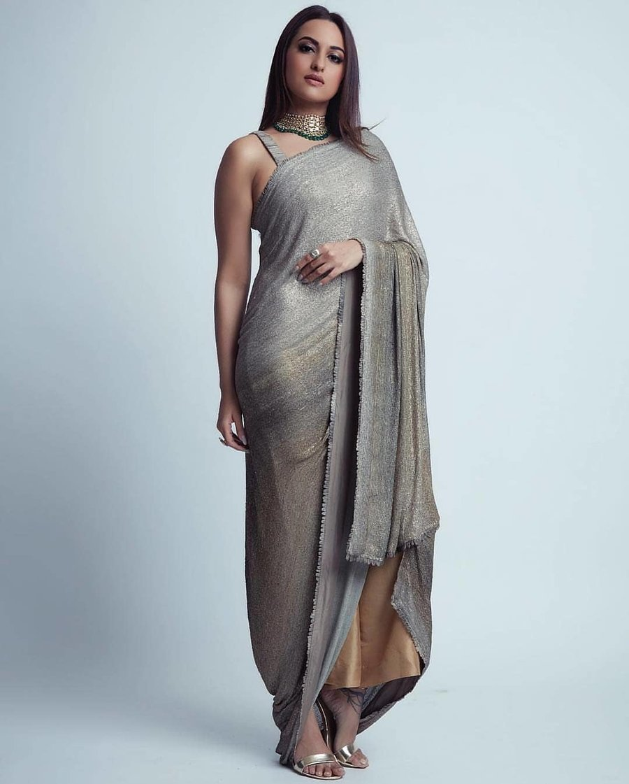 cc2493d2b957eb 12 Different Styles of Saree Draping every Woman Must Know Of ...