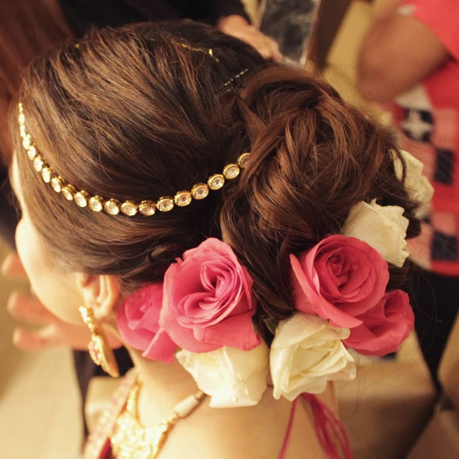 11 Best Bridal Hairstyles With Roses For A Glam Bridal Hairdo