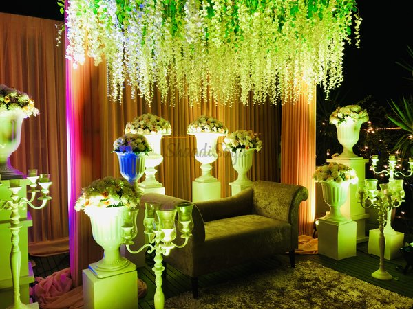dreamdecorstudio  weddingdecor  themepartydecor  bestdecorindelhi  2019  latestdecortrends  allwhite  florals  eastdelhi  budgetdecorideas  hoteldecor  gurgaondecor  noidadecor