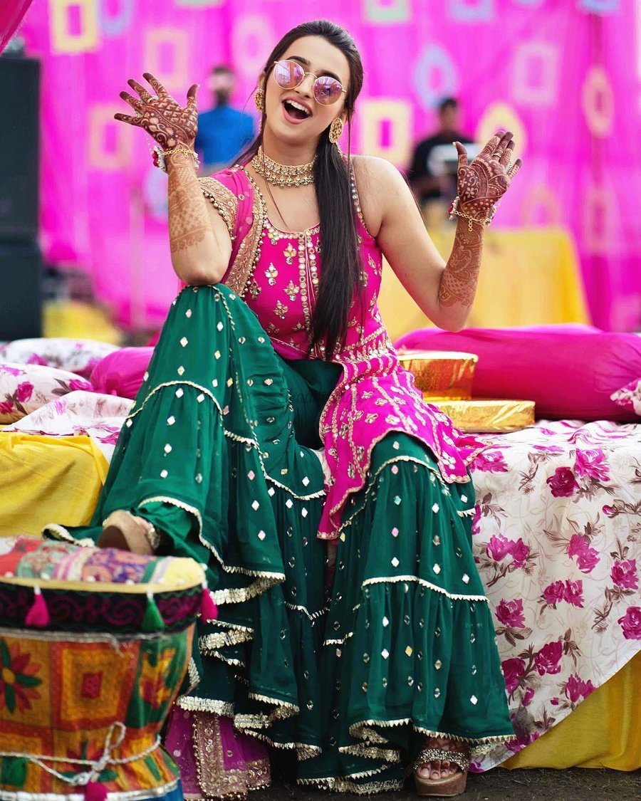Our Most Favorite Mehndi Outfit Color Combinations for