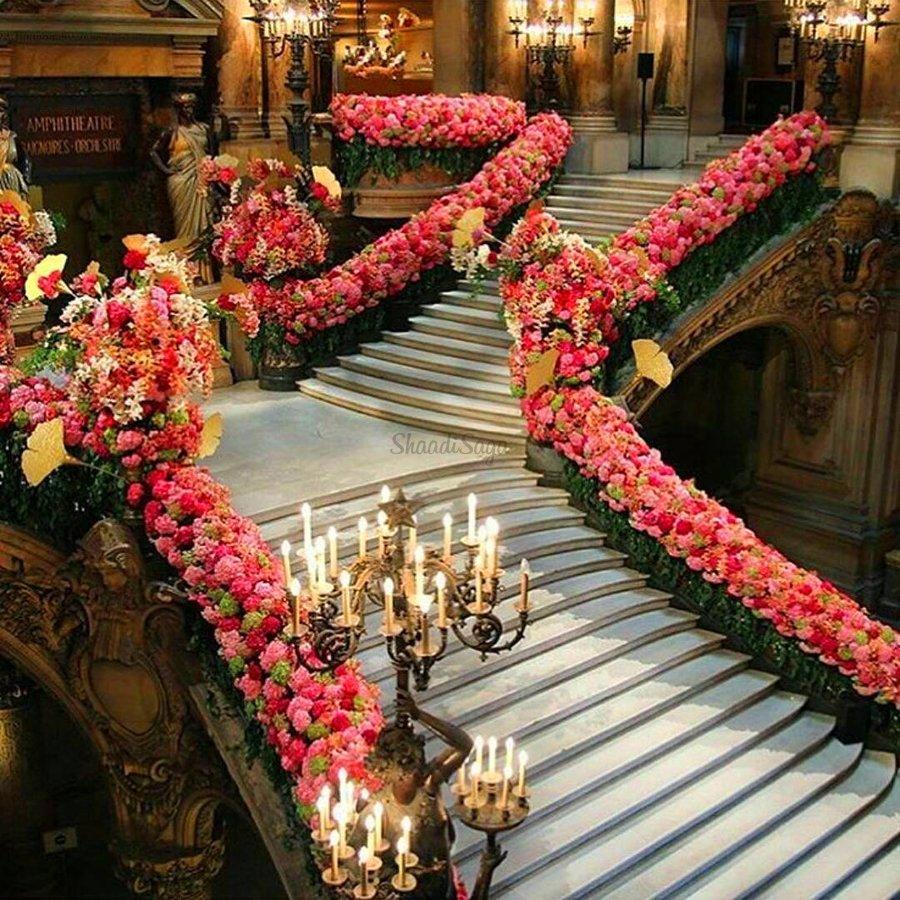 Top 14 Staircase Decor Ideas To Elevate Your Wedding Decor