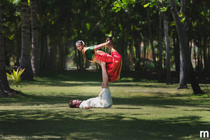 Acroyoga couple shoot