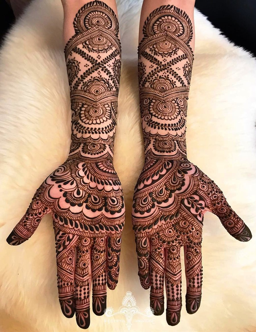 Beautiful and intricate bridal mehendi. mehndi ...