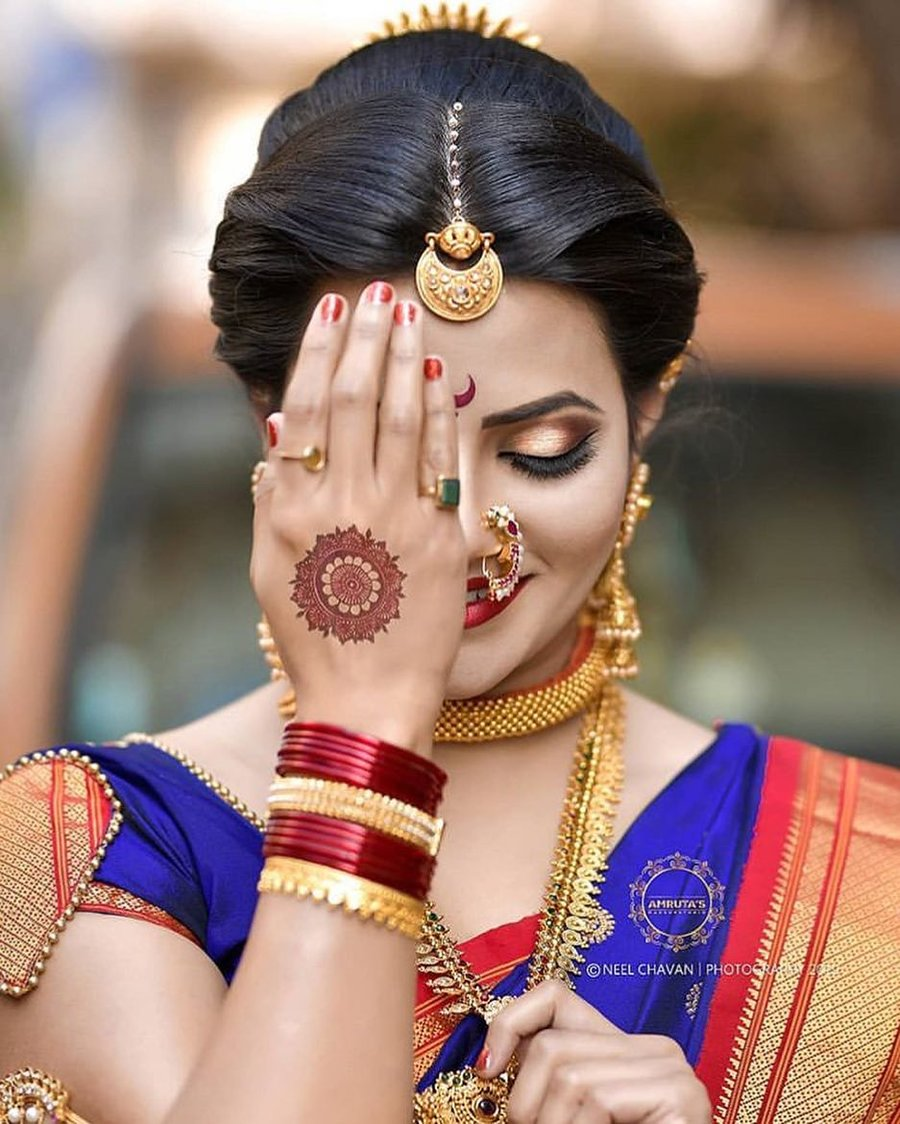7 Adornments that Make us Fall Hard in Love with Marathi