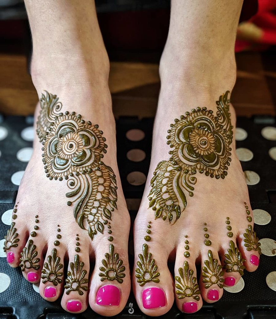 25 Fresh Stunning Foot Mehndi Designs For The Modern Brides Shaadisaga