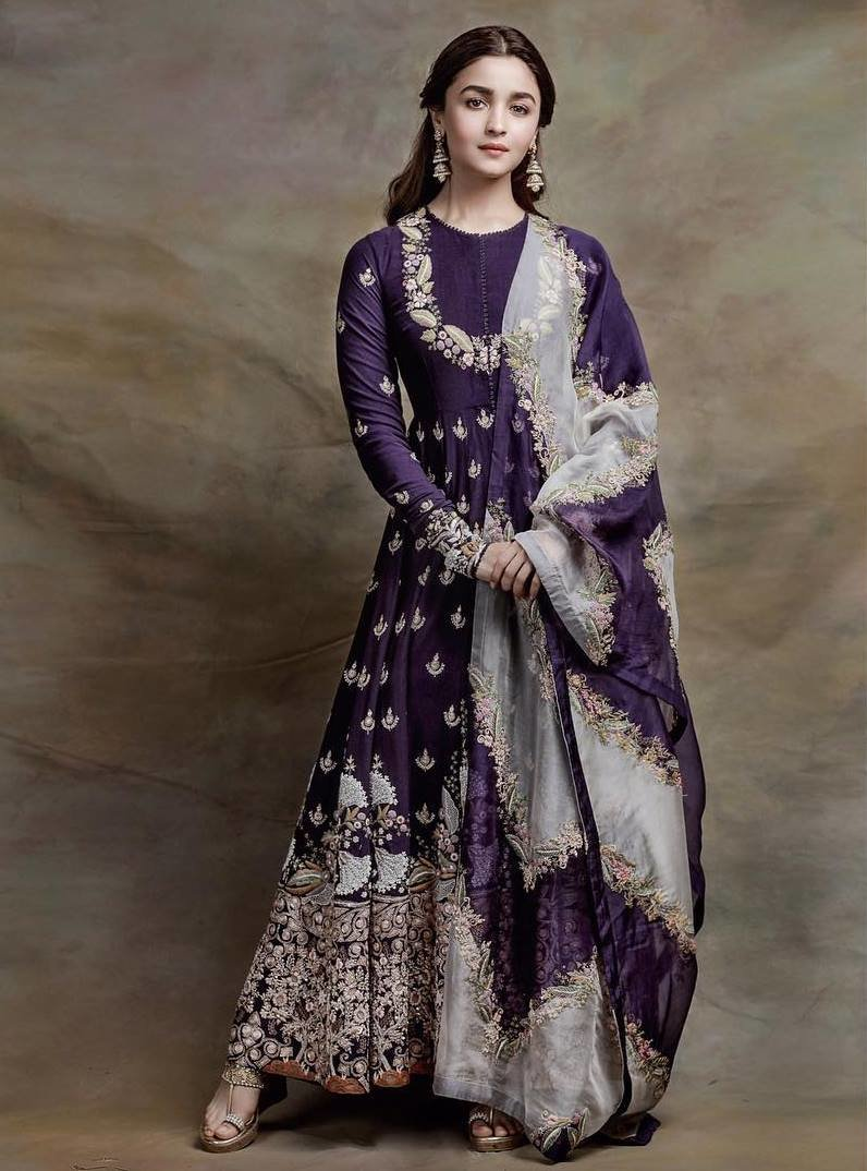 0a900c06cbbfb 15 Most Gorgeous Ethnic Outfits Alia Bhatt Wore for 'Kalank ...