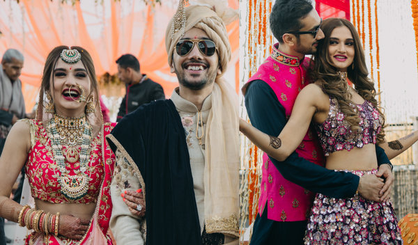 Dreamy Shimla Wedding with a Gleaming Bride in Super Stylish Outfits