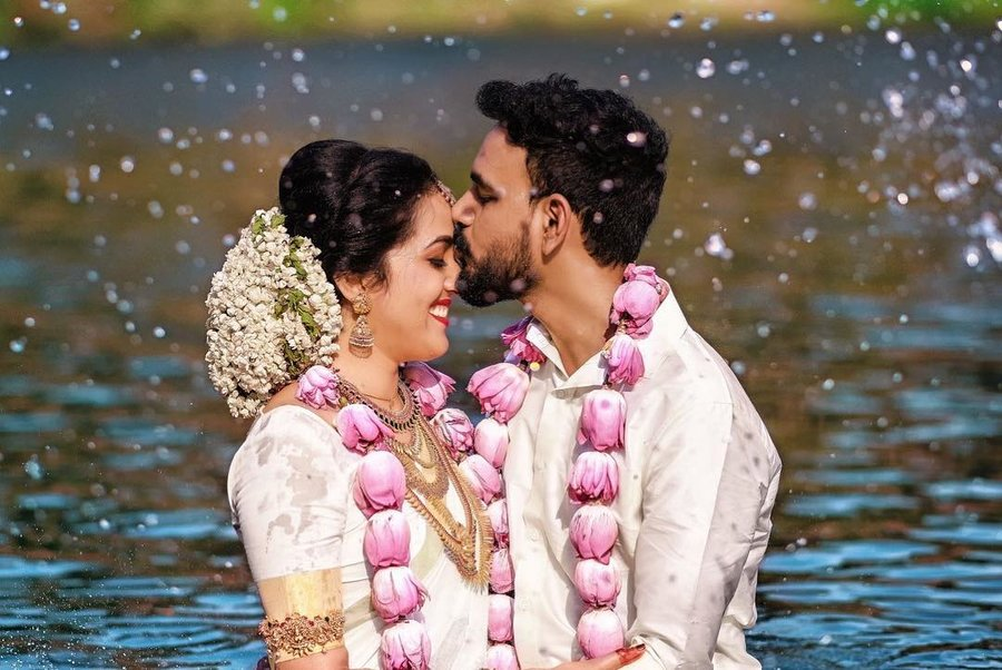 This Couple Got Drenched In Water After Pheras For A Fun